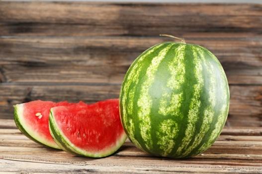beneficii-pepene-rosu-verde