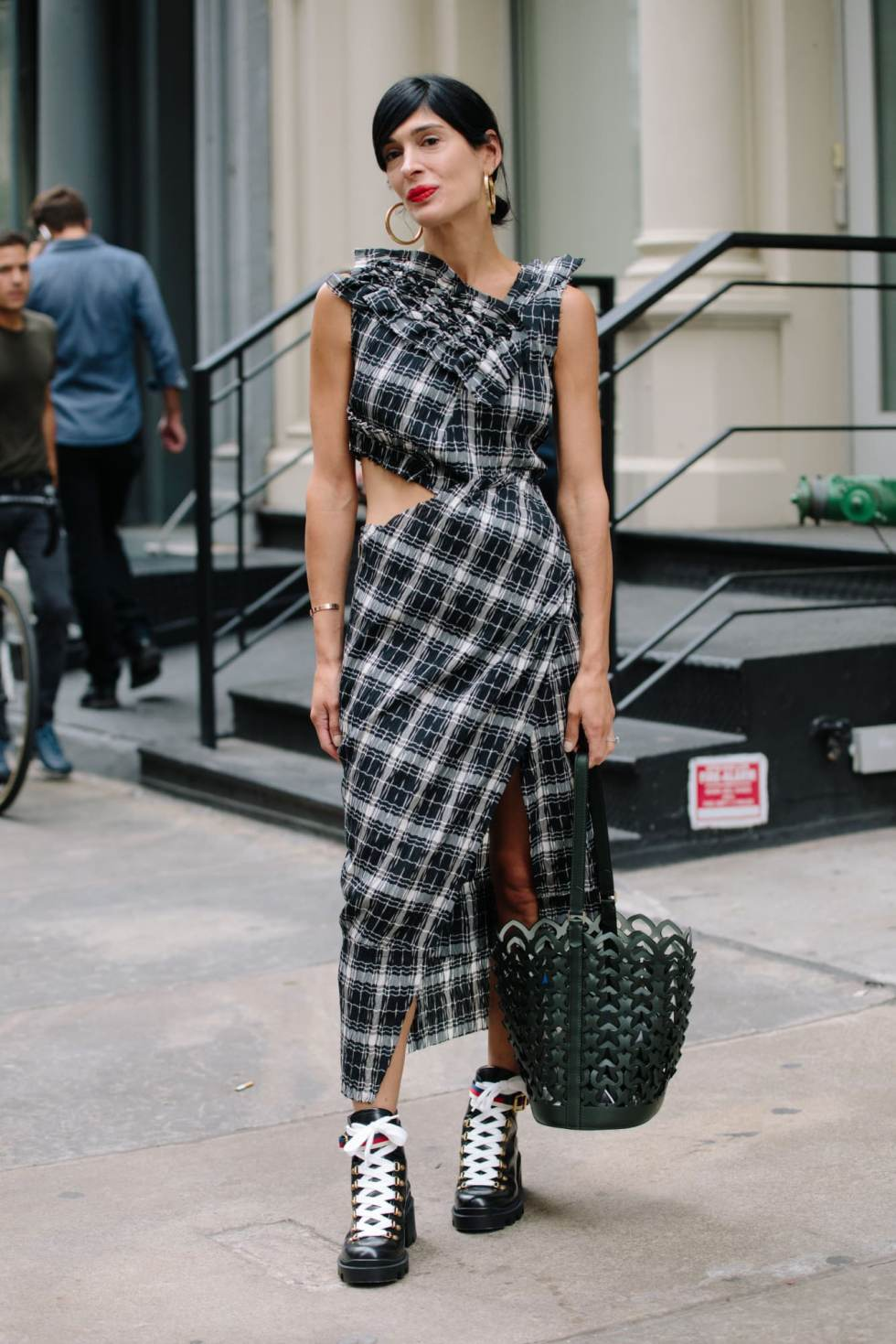 new-york-fashion-week-street-style-spring-2019-day-2-14