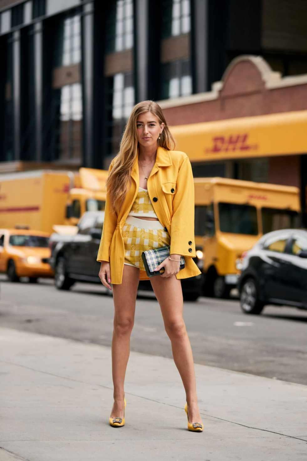new-york-fashion-week-street-style-spring-2019-day-2-54